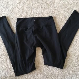 Lulu black leggings